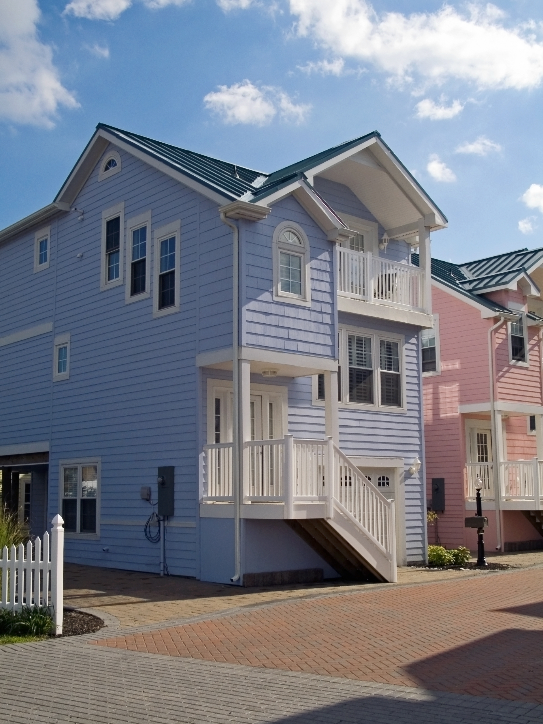 Home with Siding | RoofingContractorPittsburgh.com
