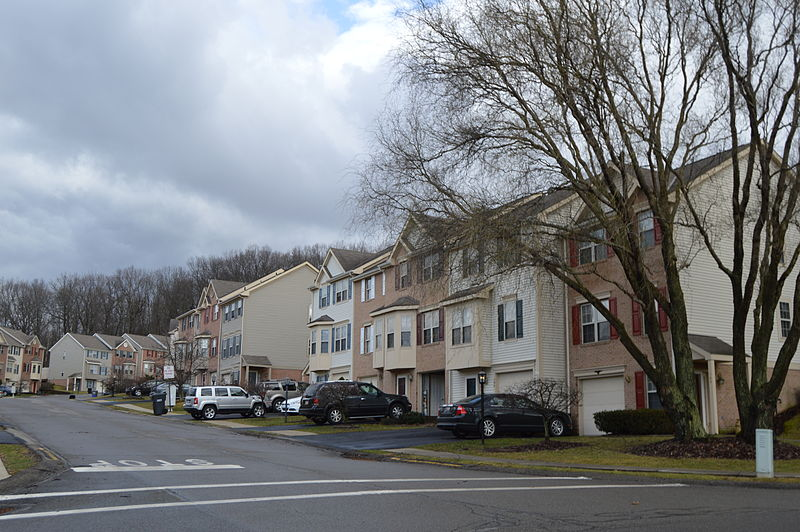 Hillvue at Castle Creek in Seven Fields | RoofingContractorPittsburgh.com